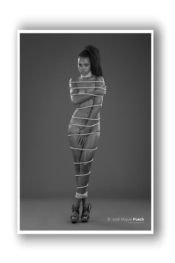 foto-estudio-sevilla-moda-puech-blanco-negro